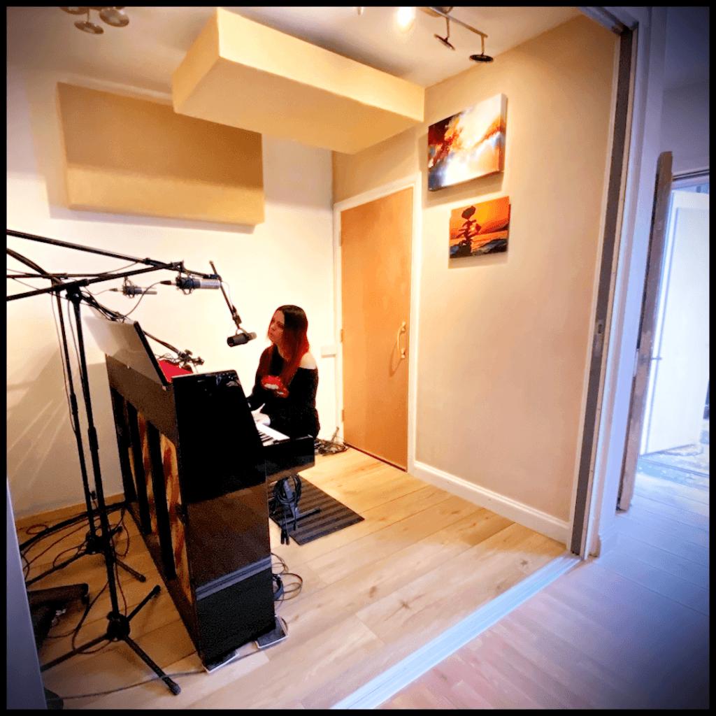 Vocalist pianist recording studio