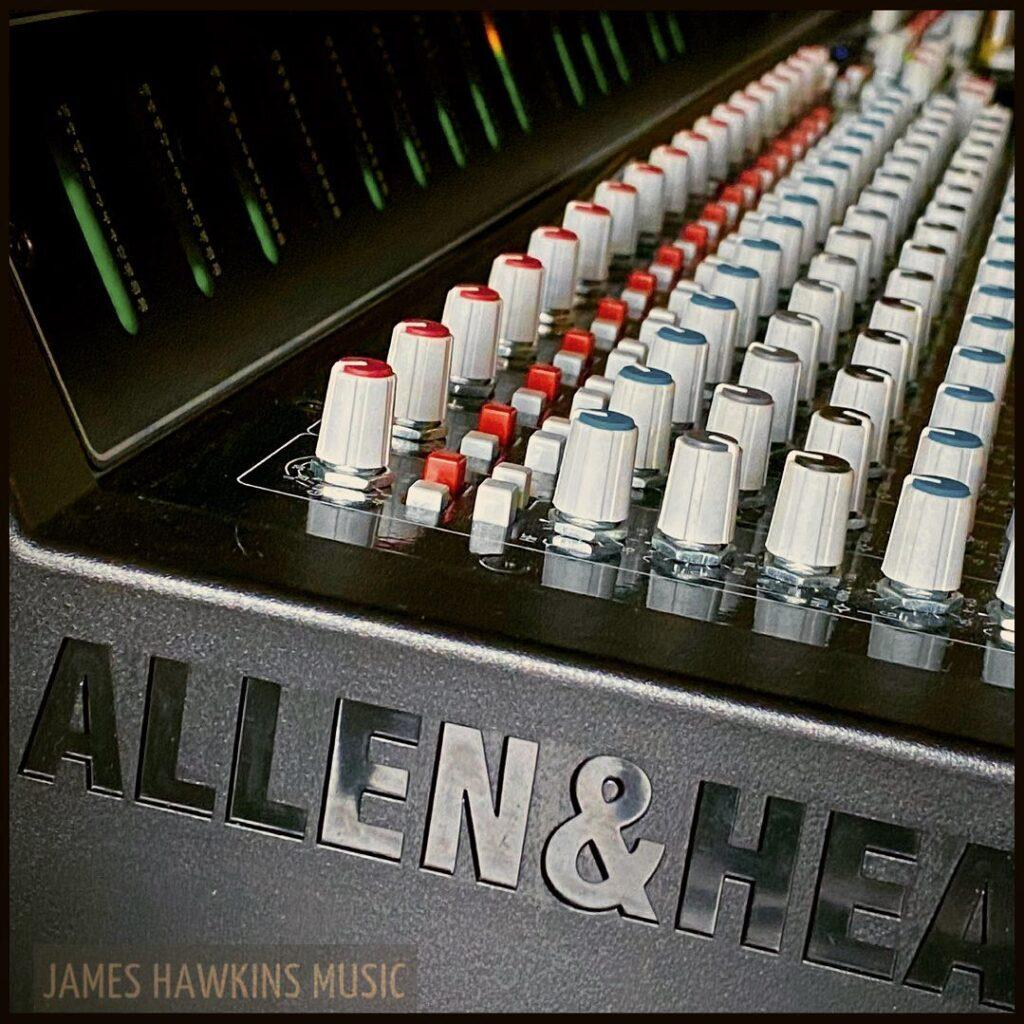 allen and heath hybrid mixing console